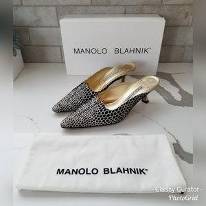 MANOLO BLAHNIK blk/gray pointy toe kitten heels